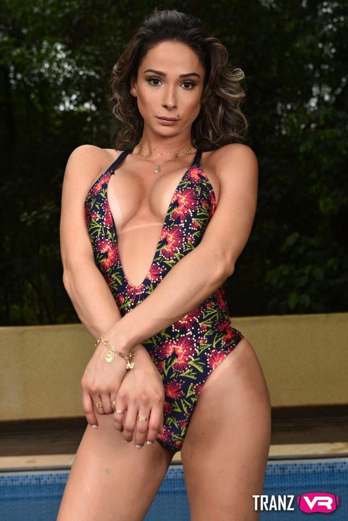 Bianca Hills bikini outdoor vr porn