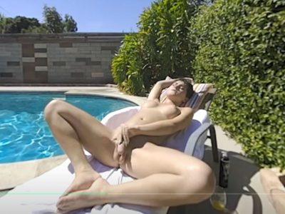 Daisy Taylor shemale masturbating naked by the pool